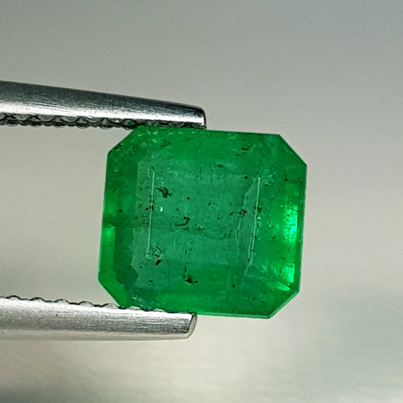 1.53 ct  Top Grade Gem Exclusive Octagon Cut Natural Emerald