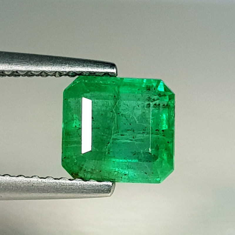 1.81 ct  Top Grade Gem  stunning Square Cut Natural Emerald
