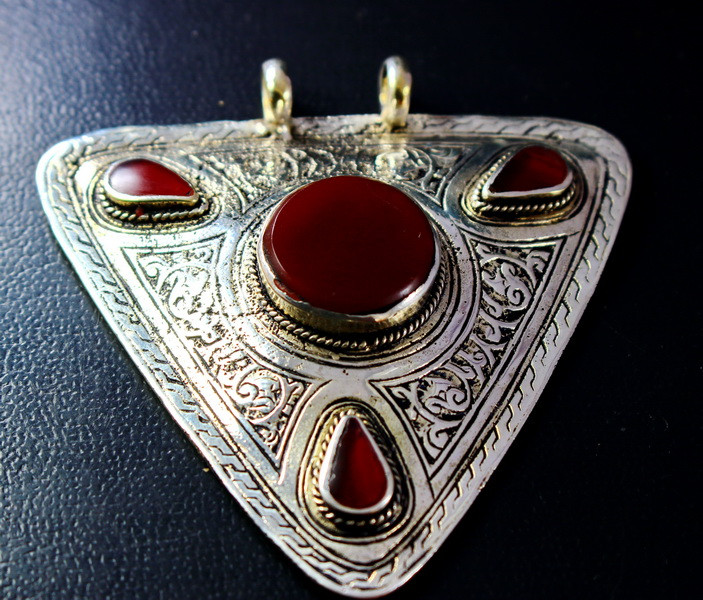 219.90 CT Natural Agate Pendant Stone Special Shape