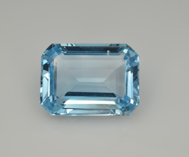 Natural Sky Blue Topaz 13.58  Cts Good Luster