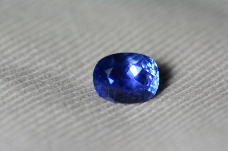 Unheated Blue Sapphire GIA Certified 1.05 Carats Untreated Sri Lanka Ceylon