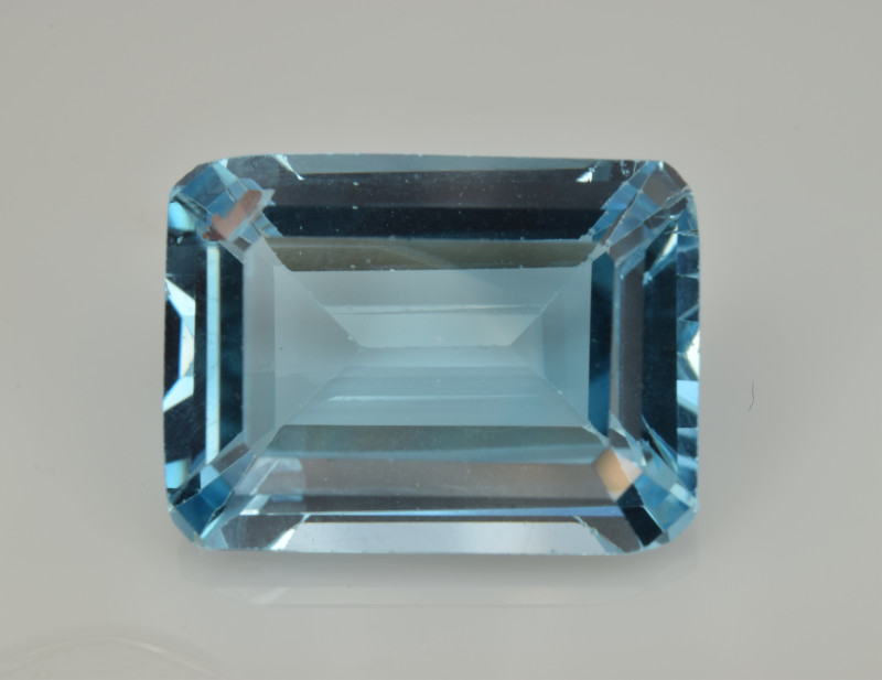Natural Sky Blue Topaz 12.59 Cts Good Luster