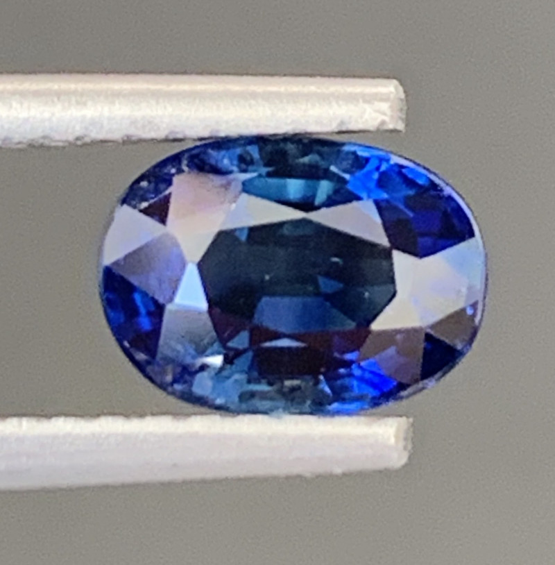 1.40 Carats Sapphire Gemstone