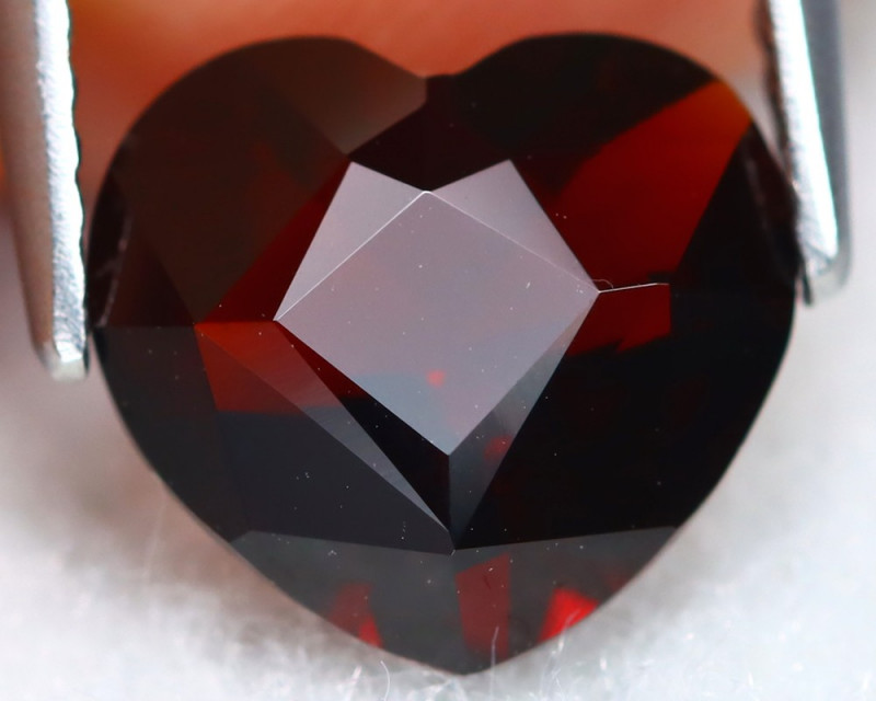 Almandine 2.41Ct VVS Heart Cut Natural Almandine Garnet A1610