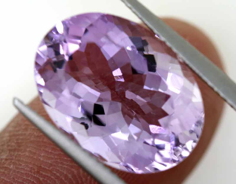 12.33 CTS AMETHYST FACETED STONE CG-3043