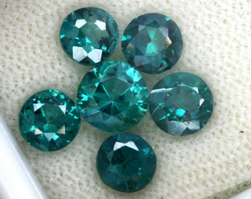 3.18 CTS  GREEN TOPAZ FACETED GEMSTONE PARCEL CG-3095