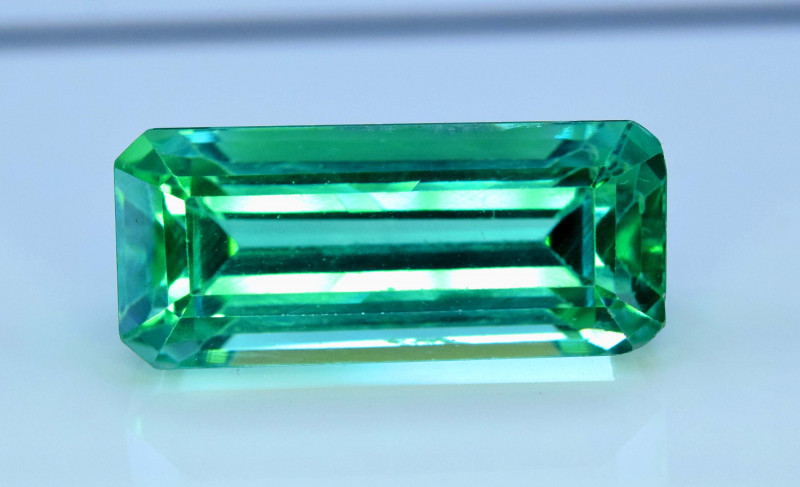 NR - 25.00 Carats Amazing Lush Green Spodumene Gemstone