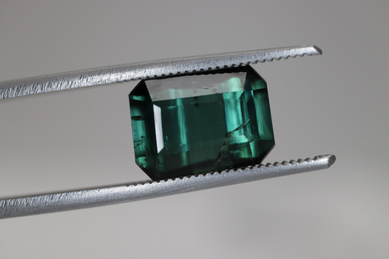 #194 4.90CT AMAZING COLOR TOURMALINE GEMSTONE