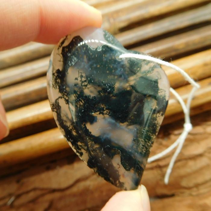 Heart moss agate pendant (G2090)