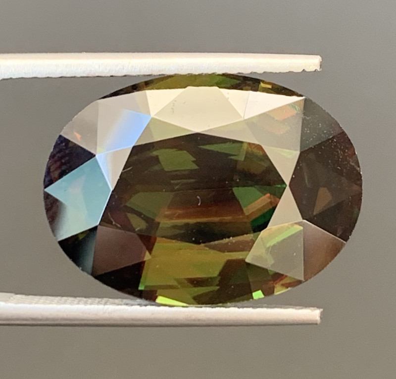 16 Carats Full Fire Tantanite Sphene Gemstone