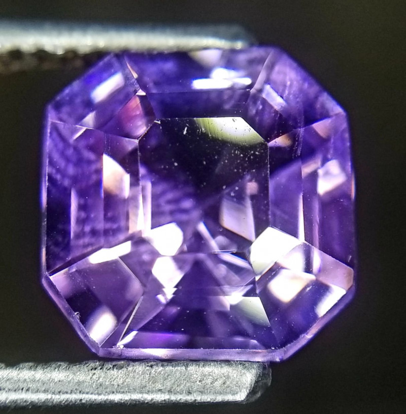 Amethyst, 3.02ct, incomprehensible, beautiful stone!
