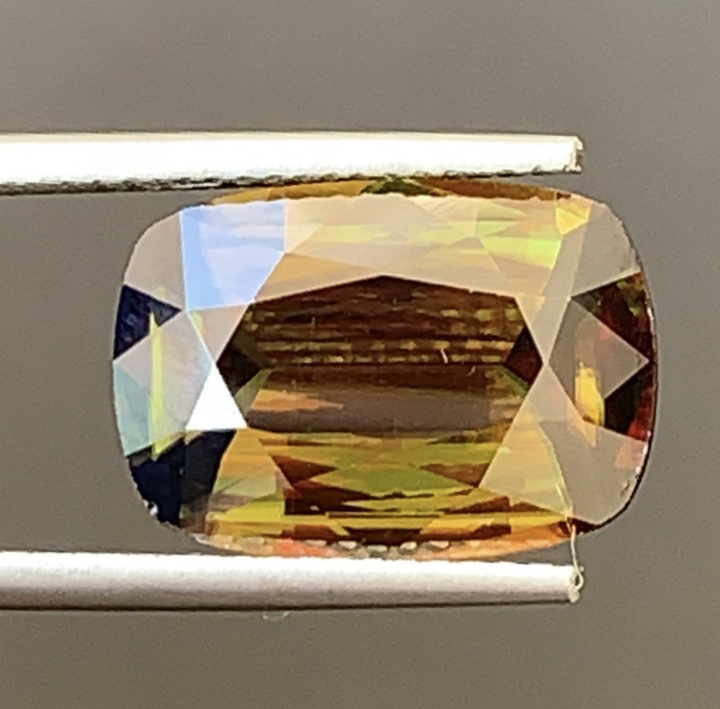 6.16 Carats Natural Full Fire Tantanite Sphene Gemstone