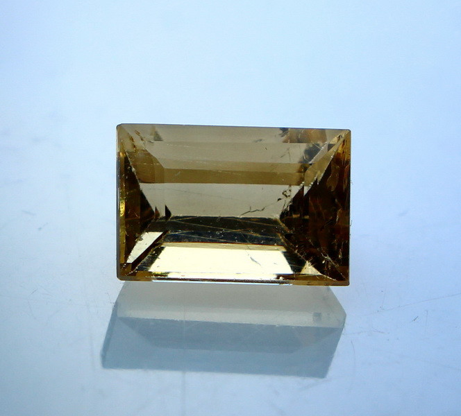 2.10 Cts Natural & Unheated Yellow Heliodor Gemstone
