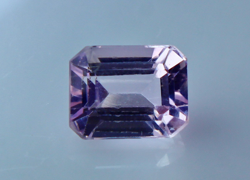 2.50 Cts Natural & Unheated Pink Kunzite Gemstone
