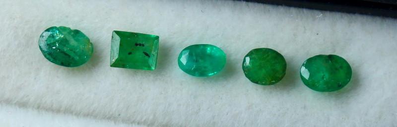 0.60 CT Natural - Unheated Green Emerald Gemstone Lot