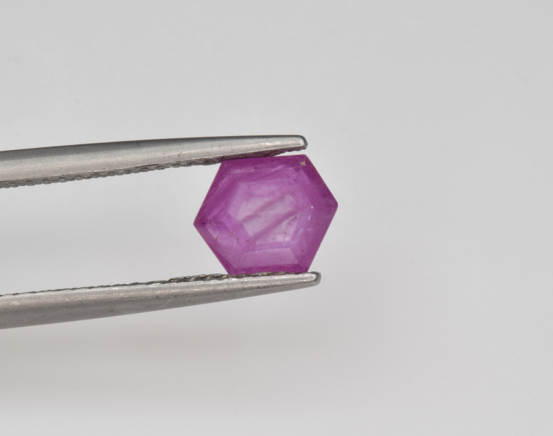 Natural Ruby 1.28 Cts with Hexagonal Pattern from Guinea