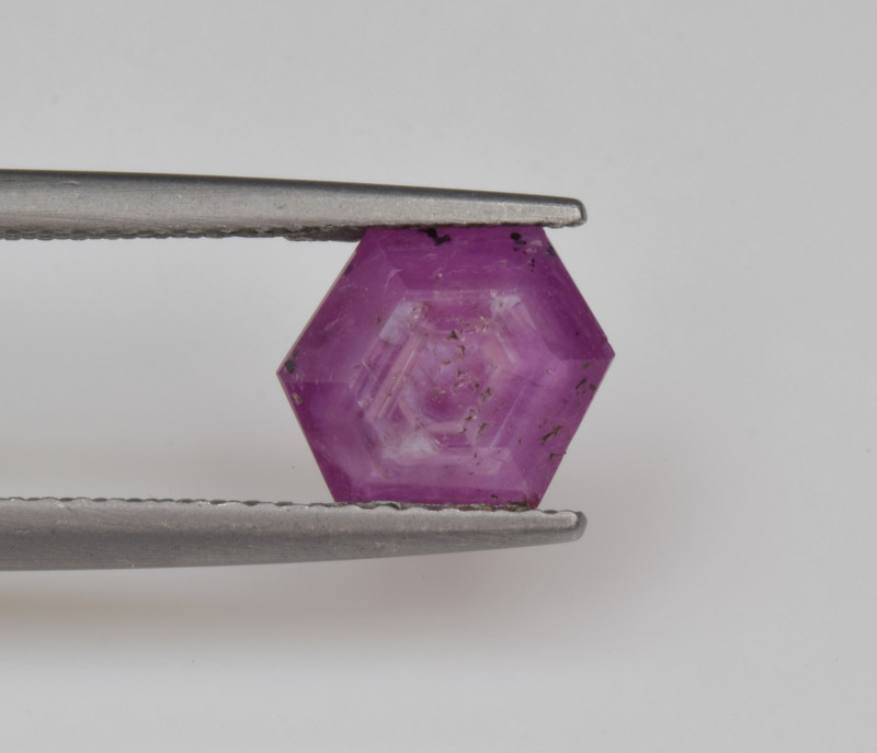 Natural Ruby 1.68 Cts with Hexagonal Pattern from Guinea