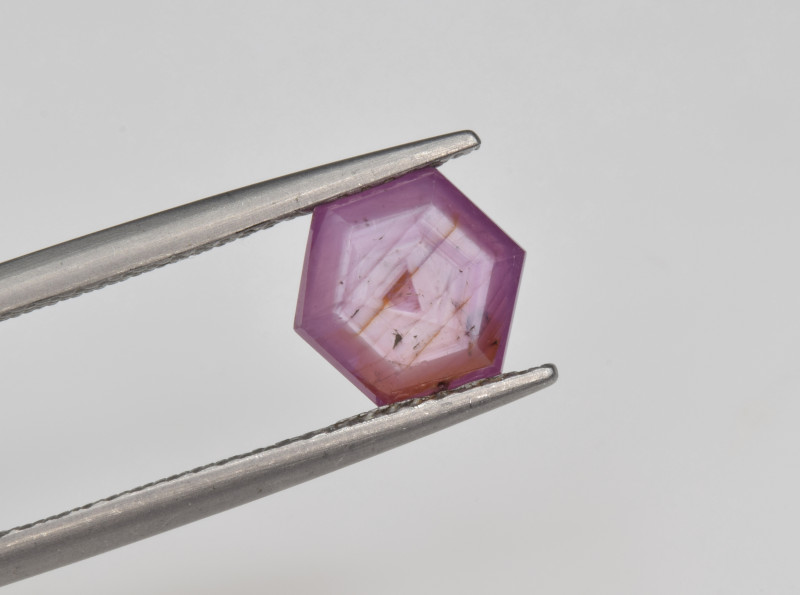 Natural Ruby 1.73 Cts with Hexagonal Pattern from Guinea