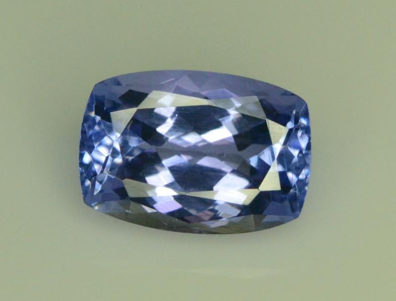AA Grade 2.60 ct Tanzanite eye catching Color