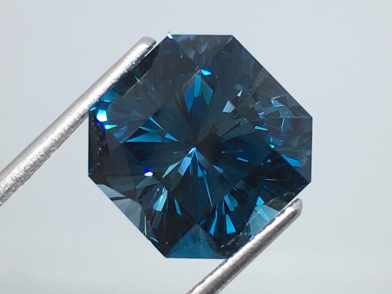 9.45 carat VVS Topaz London Blue Master Cut