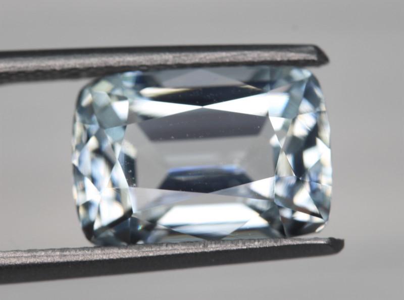 5.45 Carats Natural Aquamarine Gemstone
