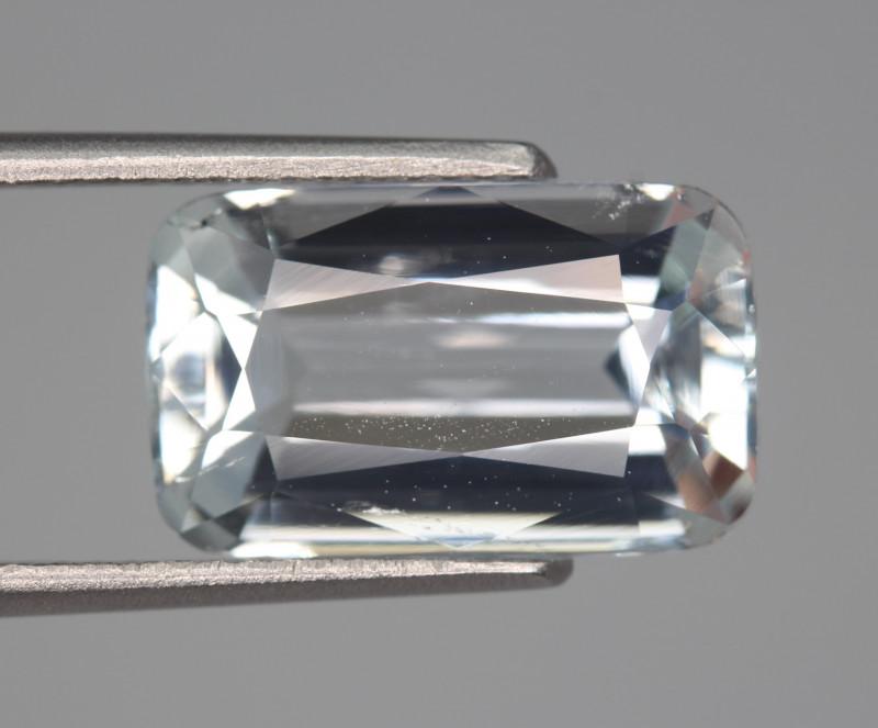 5.75 Carats Natural Aquamarine Gemstone