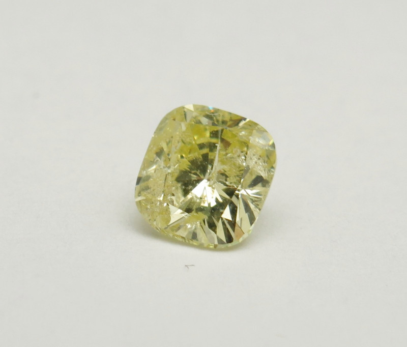 0.90ct Natural Fancy Yellow Diamond GIA certified