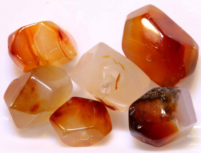 52 CTS CARNELIAN FACETED BEADS (4PCS) NP-964