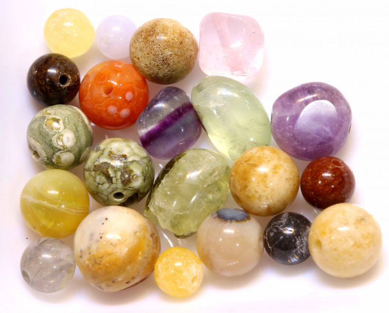 65CTS ASSORTED NATURAL STONE (PARCEL) DRILLED  NP-580