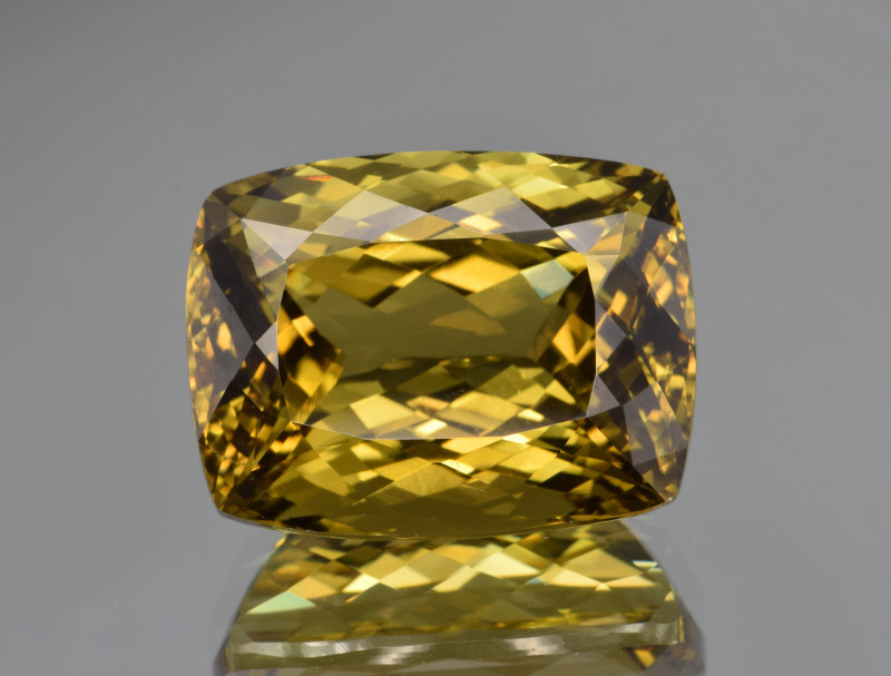 Unusual Natural Spodumene/Triphane 39.22 Cts Top Cut and Quality Gemstone