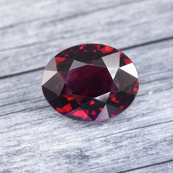 Natural RED Almandine GARNET from Sri Lanka 10.34 Ct. (00905)