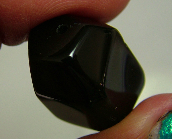 BOSTWANA BLACK AGATE FACETED BEAD DRILLED 44 CTS As-570