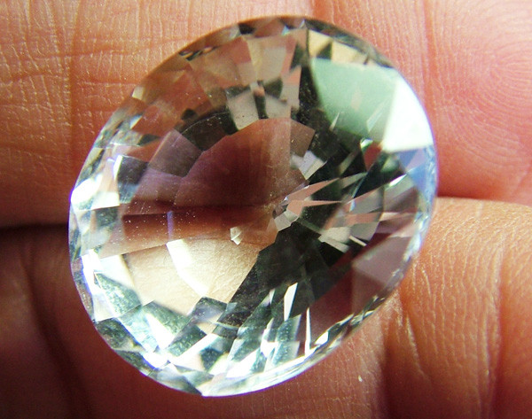 FACETED CRYSTAL QUARTZ NATURAL  16CTS AS-574