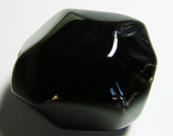 BOSTWANA BLACK AGATE FACETED BEAD DRILLED  37CTS AS-582