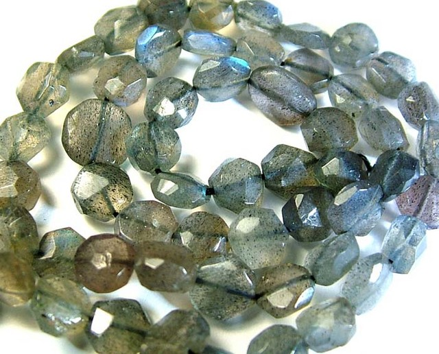 LABRADORITE BLUE FLASHY BEADS  FROM CANADA 84CTS [GT 747]