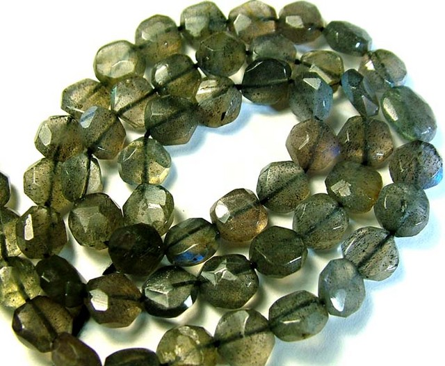 LABRADORITE BLUE FLASHY BEADS  FROM CANADA 76CTS [GT748 ]