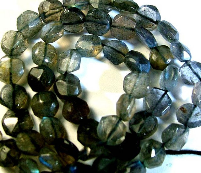 LABRADORITE BLUE FLASHY BEADS  FROM CANADA 77CTS [GT762 ]