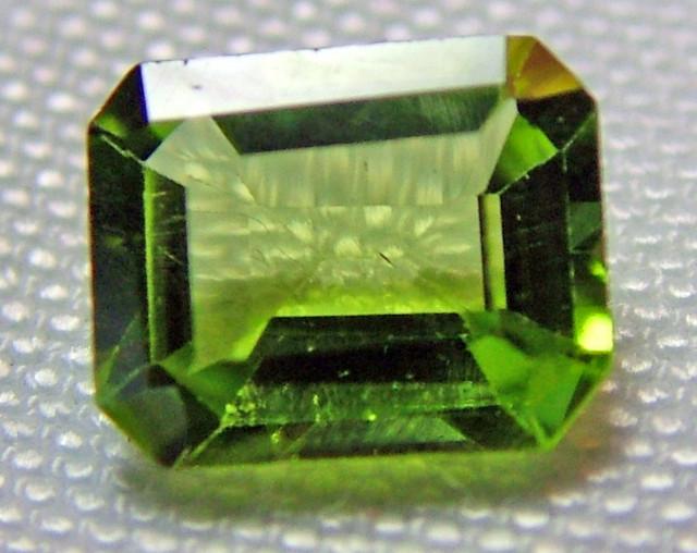 1.64 CTS PERIDOT BRIGHT GREEN    CG-2213