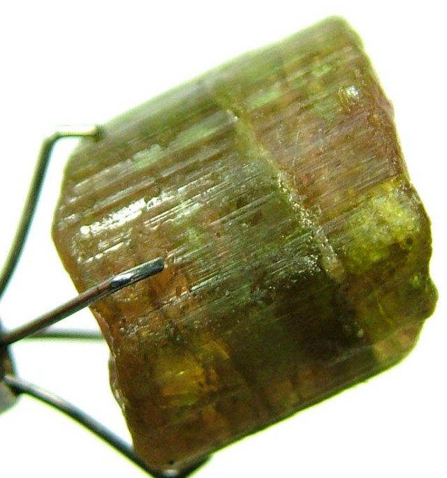 TOURMALINE WITH  OUT SIDE CRYSTAL GROWTH 11.20 CTS [MX4049]