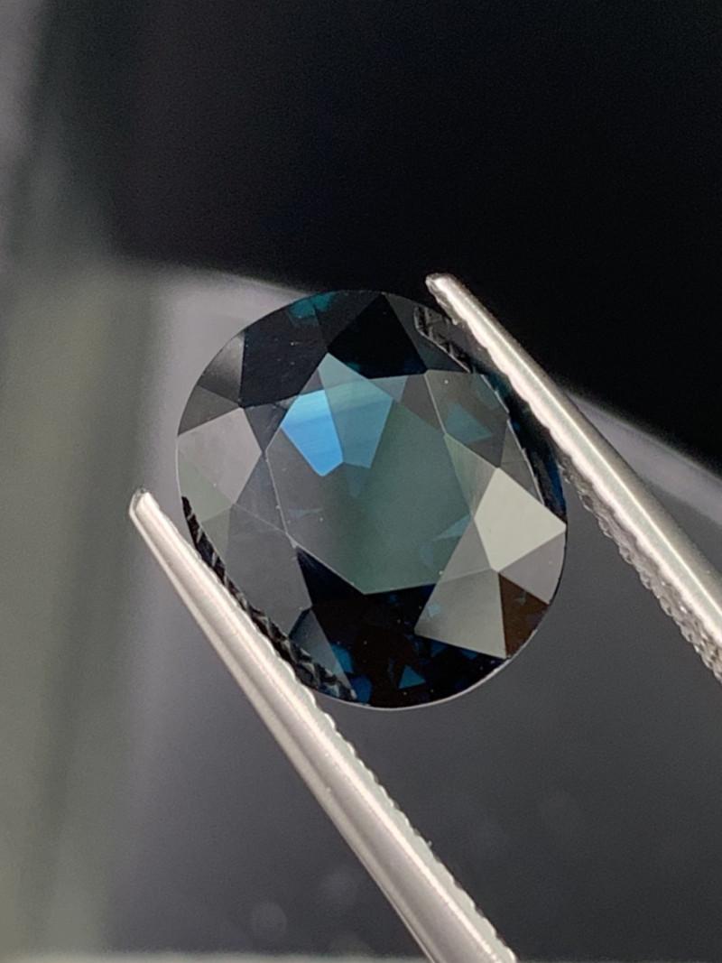 AIG 5.55 Cts Royal Blue Natural Sapphire Eye Clean Top Quality
