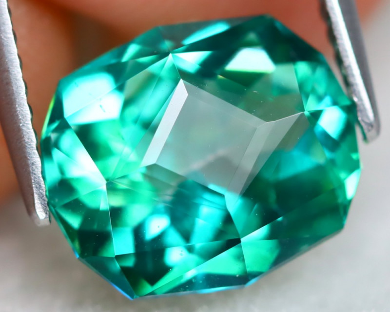 Green Topaz 4.86Ct VVS Master Cut Natural Vivid Leaf Green Topaz B2107