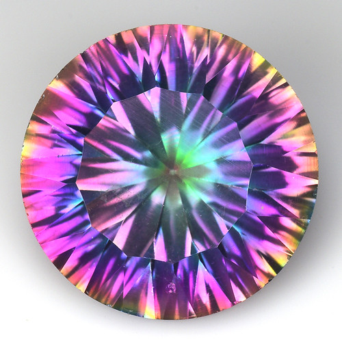 9.64 Cts Rainbow Mystic Quarts Top Color Gemstone MT33