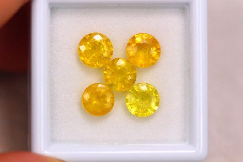 4.88ct Natural Yellow Sapphire Round Cut Lot E41