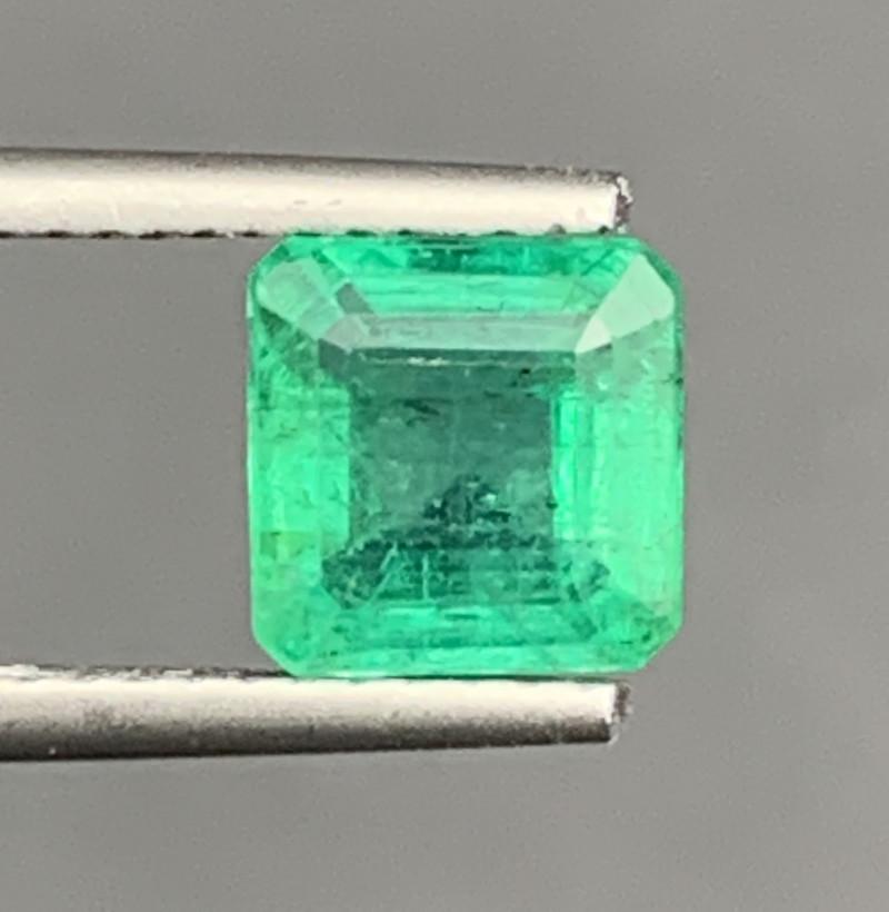 1.65 Carats Natural Color Emerald Gemstone