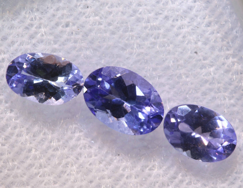 1.44CTS  TANZANITE  FACETED  STONE PARCEL  PG-3423