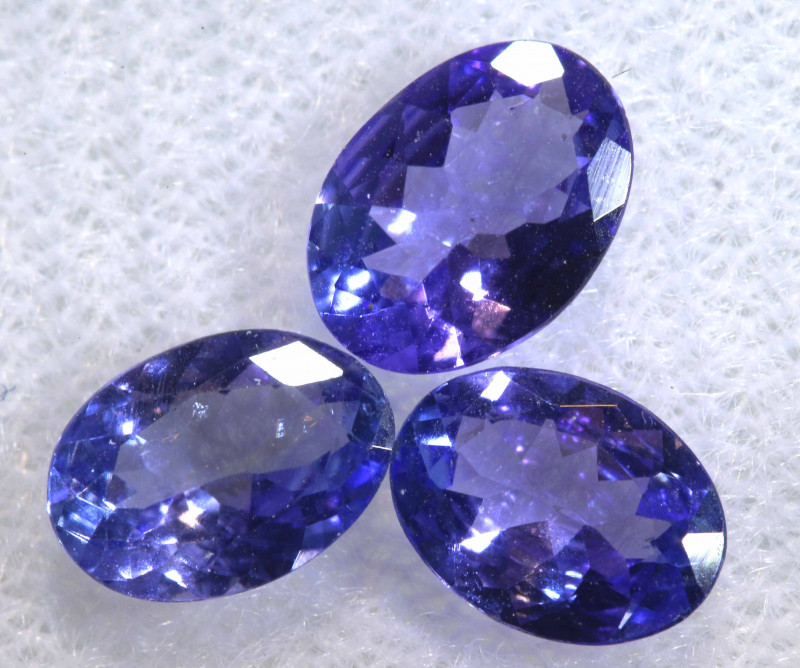 2.03CTS  TANZANITE  FACETED  STONE PARCEL  PG-3452