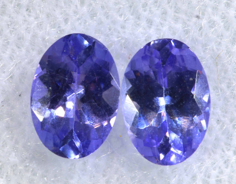 1.34CTS  TANZANITE  FACETED  STONE MATCHED PAIR  PG-3477