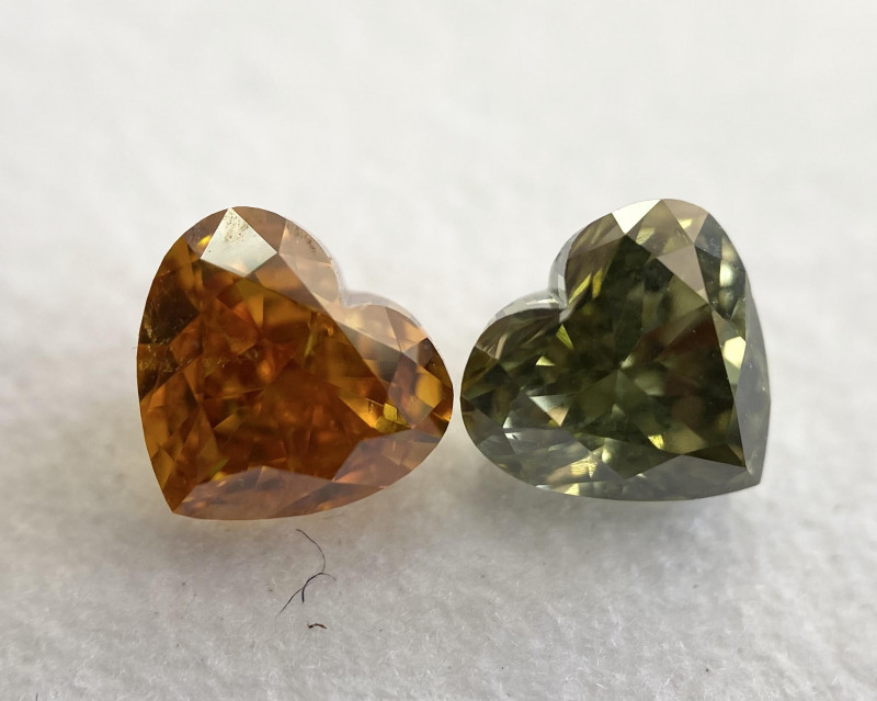 GIA Heart 1.37 Total Carat Weight Natural Green and Orange Diamond Mix