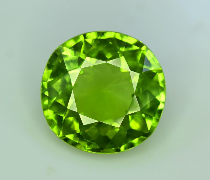 Peridot, 8.65 Ct Top Quality Oval Shape Peridot Gemstone