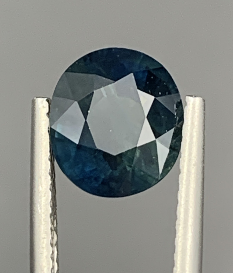 2.22 Carats Sapphire Gemstone